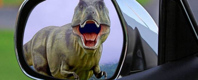 dinosaur in car mirror pixabay