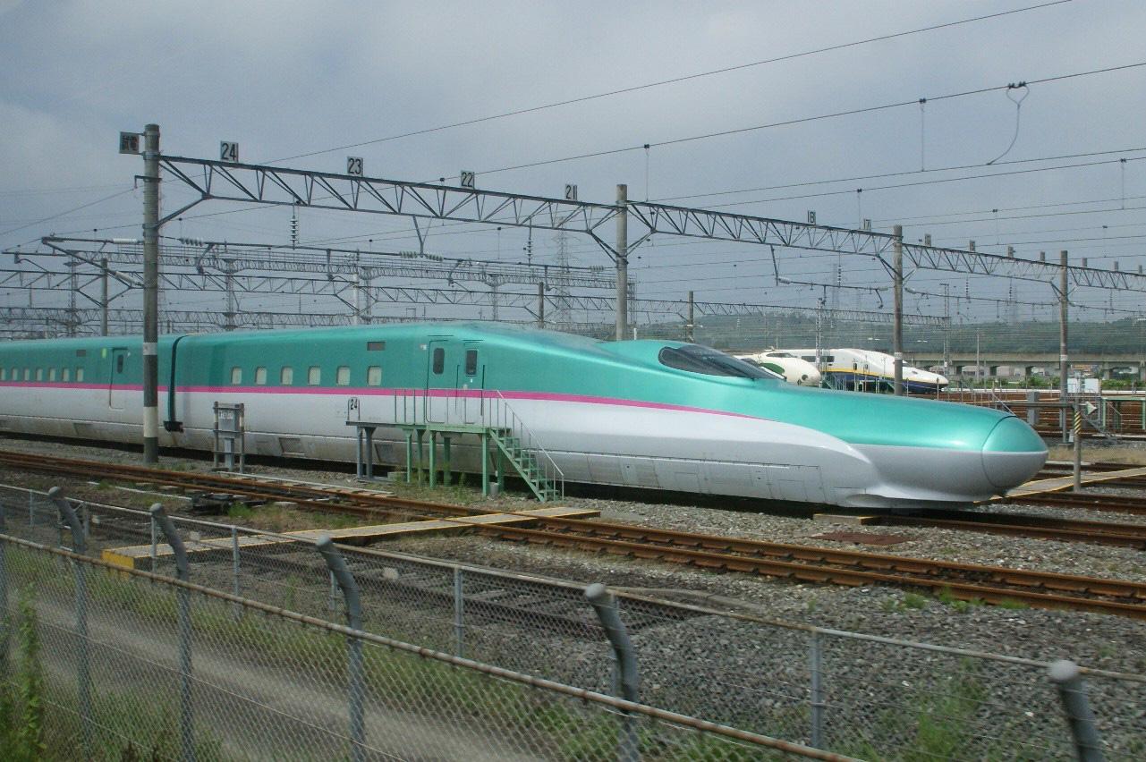 Fast Train Aerodynamic Design, Control airflow. SONY DSC